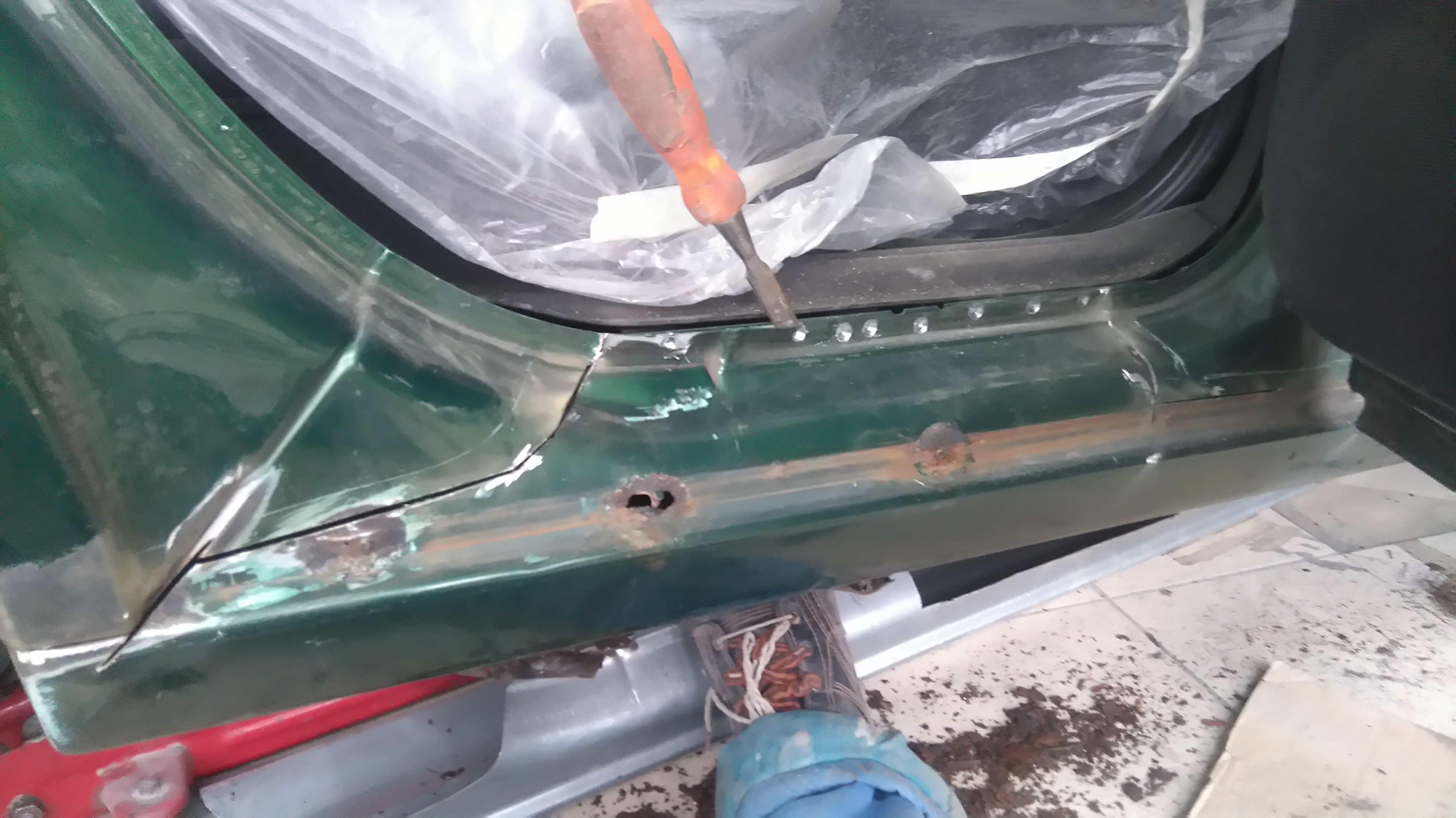Установка пластиковых порогов на авто своими руками